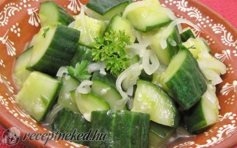 uborkasaláta receptek